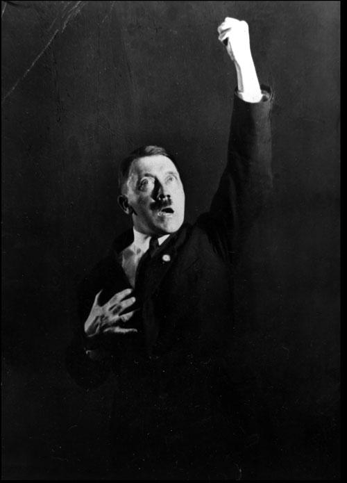 hitler-rehearses-speech-6